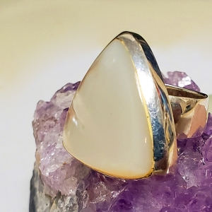 Angel (Mother of pearl and sterling silver ring, Size 5.5)